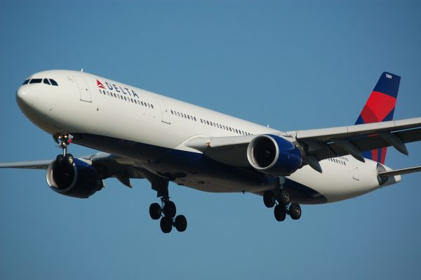 Delta Airlines aircraft on final approach to land