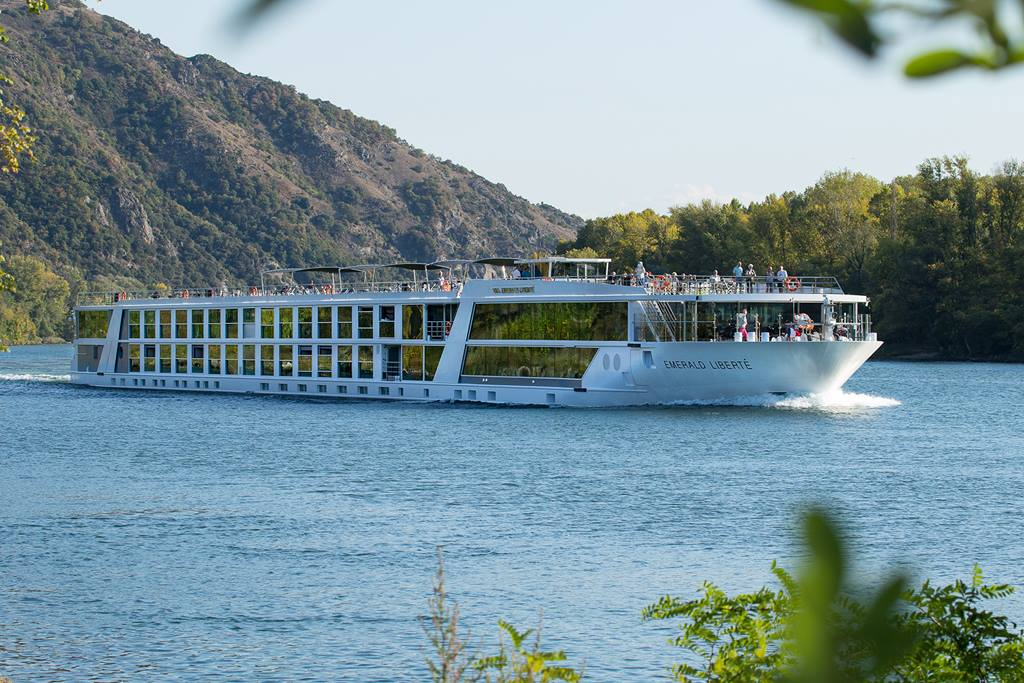 Emerald-Waterways-Ship2 | AardvarkCompare.com