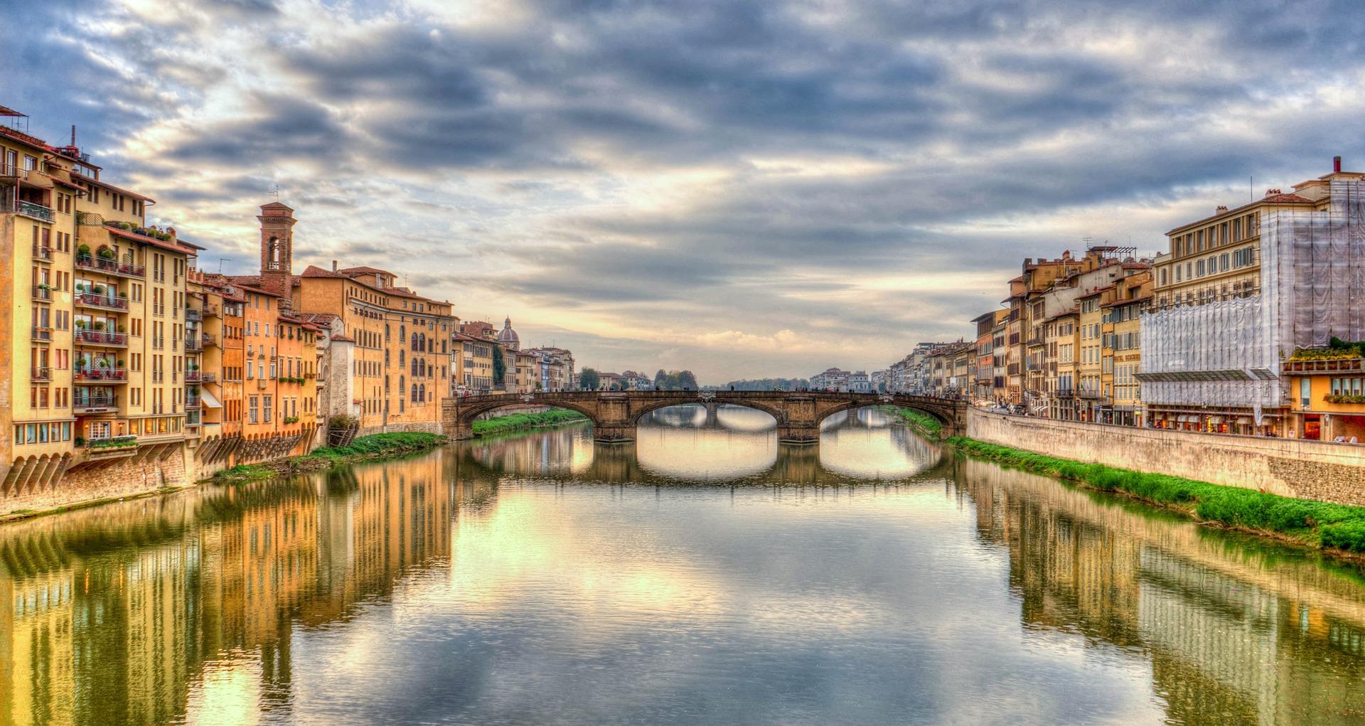 Emerald-Waterways-Arno-River | AardvarkCompare.com